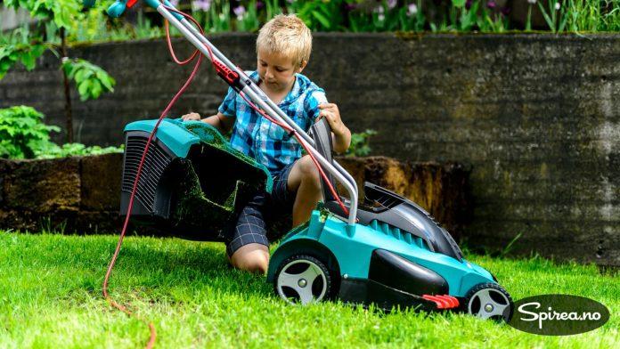 Oppsamleren gjør at du slipper å rake plenen fri for gress.