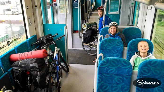 Tog for sykkel: Hvis det er en toglinje i nærheten av der du sykler, og alle er slitne og været er fælt , bruk toget! Det er ikke å jukse...