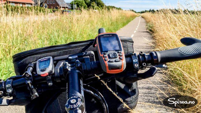 """Det kan være greit å ha med GPS på sykkelturer på steder der du ikke er så godt kjent. Men bruk et kart i tillegg, det hender GPSen leder deg på """"ville veier""""."""