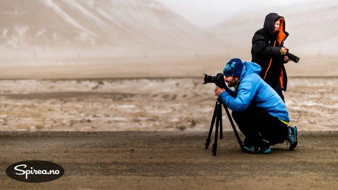 Sandstorm er sjeldent, men det skjer. Kursdeltagerne havnet midt i en ordentlig sandstorm noen kilometer fra Longyearbyen.