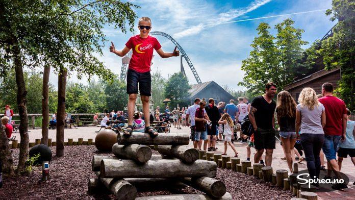 """Andreas gleder seg veldig til å ta den feteste karusellen på hele Fårup Sommerland. Du blir """"skutt"""" ut og når 100 km/t i løpet av 2 sekunder."""