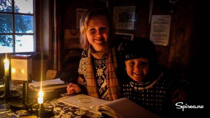 Etter noen timer var temperaturen blitt levelig, og vi kunne skrive oss inn i hytteboka.