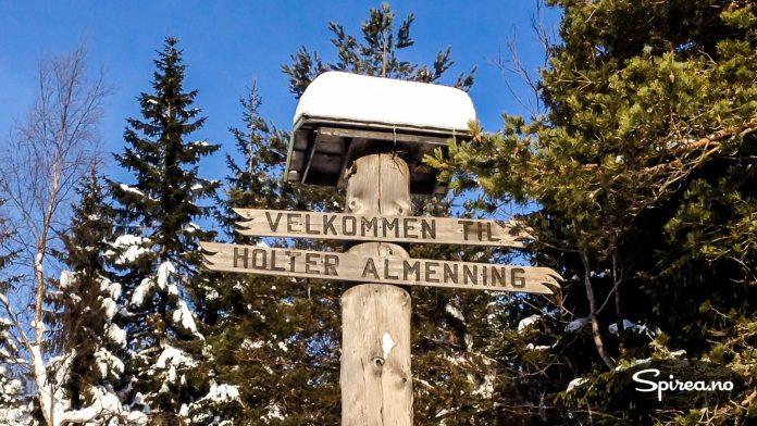 Det var i disse traktene Bjørn Dæhlie trente for å bli verdens beste langrennsløper. Og her kan du fremdeles møte ham. Henrik og Tore ble lett forfjamset da han smilte bredt og sa hei til dem.