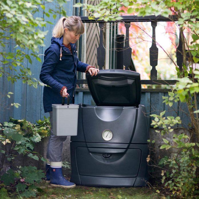 En varmkompostbinge er en god investering for deg som vil gjøre en ekstra innsats for miljøet ved å kompostere matavfallet. Foto: Hasselfors Garden