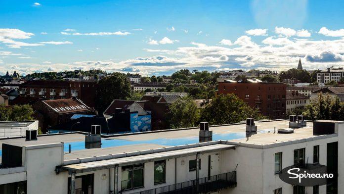 Fra takterrassen er det utsikt mot store deler av Oslo.