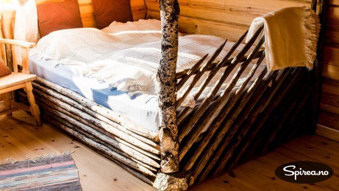Det er ikke mange steder du kan sove i en seng med egen skigard!