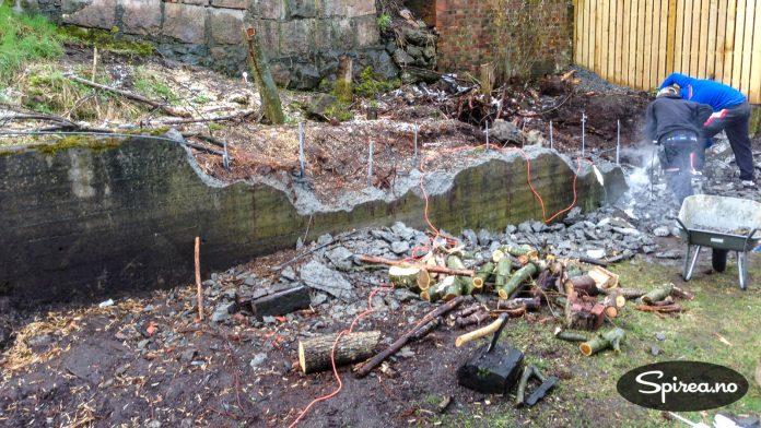 Denne muren viste seg å være irriterende solid, til tross for at den har stått i 30 år.