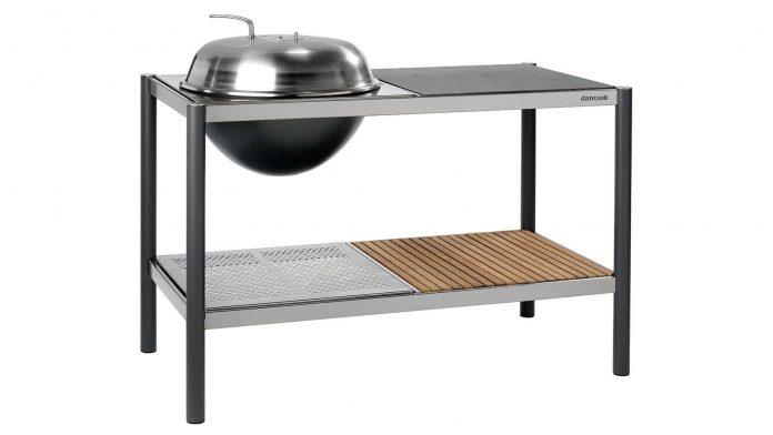 Enkel og stilren utekjøkkenløsning med kullgrill. Føres av Bauhaus. Prisen ligger på cirka 5300,-. (Dancook)